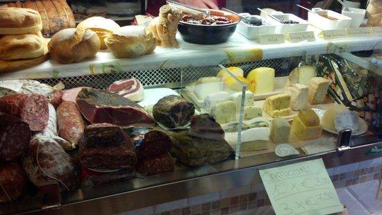 Il Bufalo Trippone: Cheese and salami