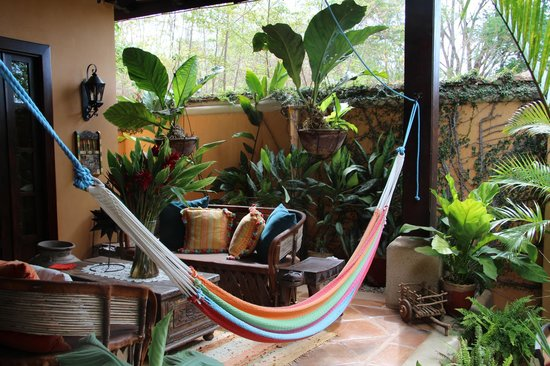 Villa Andalucia Bed and Breakfast: Outdoor Decor