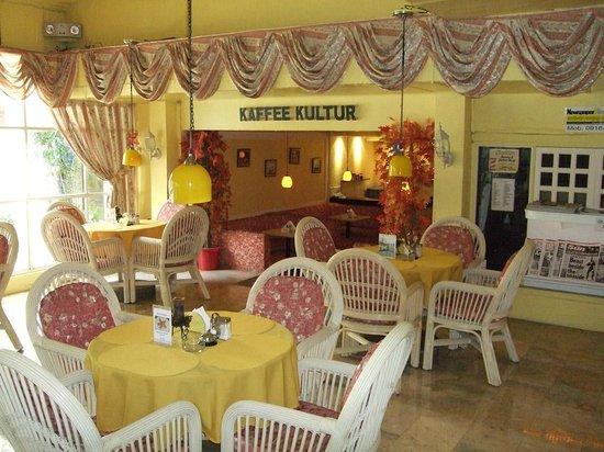 Clarkton Hotel: newspaper and coffee store
