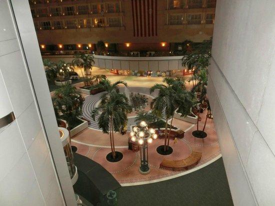 Hyatt Regency Orlando International Airport: エレベータを上がったところからの眺め