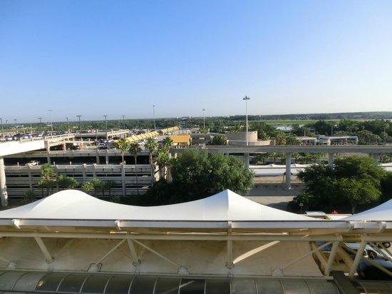 Hyatt Regency Orlando International Airport: ベランダからの朝の風景