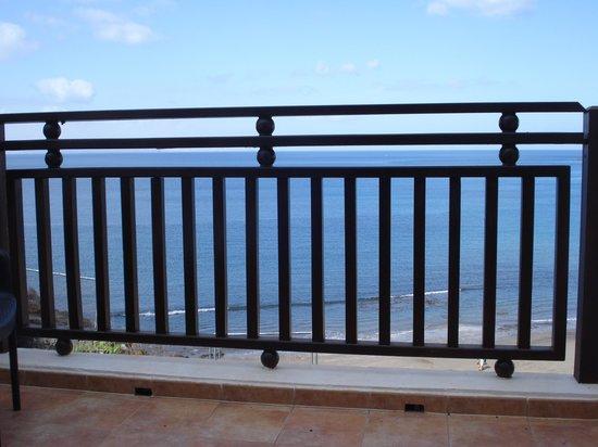 Sandos Papagayo Beach Resort: Railing balcony