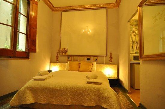 Barcelona Dreams: Room 5
