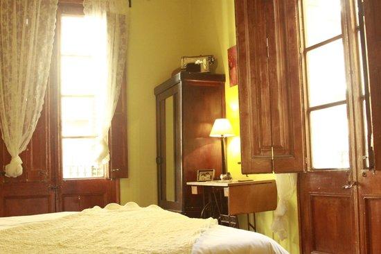 Barcelona Dreams: Room 2
