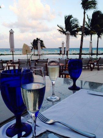 Grand Velas Riviera Maya: Dinner at the Bistro.