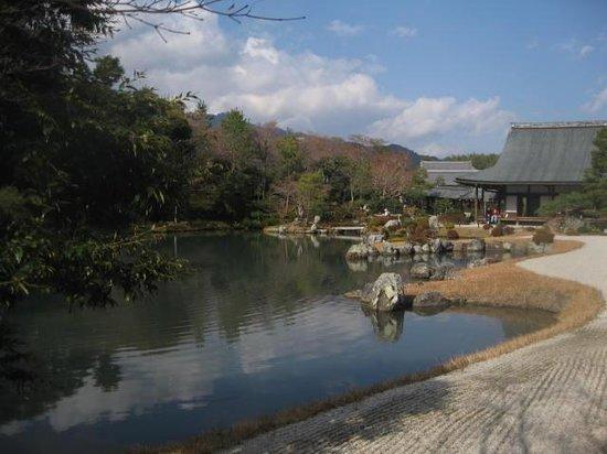 Tenryuji Temple: Lake in Sogenchi Garden