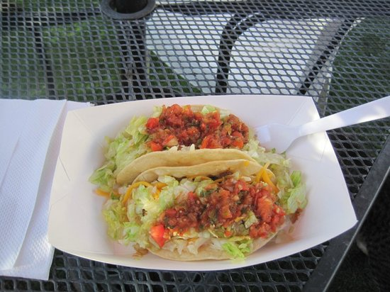 Windmill Market and Produce: The Tacos are EXCELLENT and the prices are unbeatable