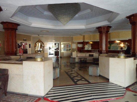 Golf Residence Hotel : Golfs reception area