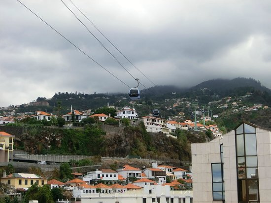 Teléferico de Funchal: Seilbahn vom Hoteldach aus