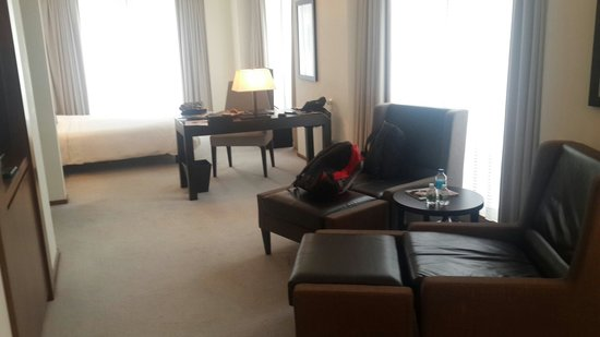 Langham Place, Fifth Avenue: The suite