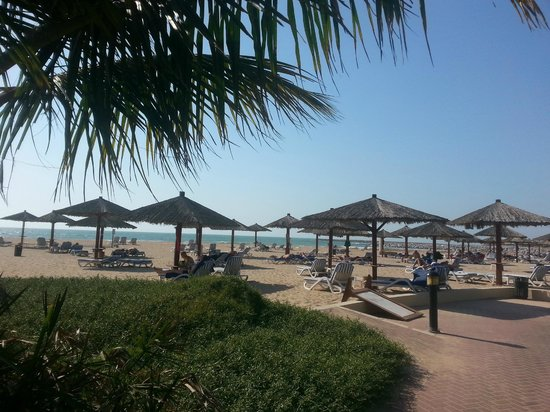 Hilton Al Hamra Beach & Golf Resort : At the Beach