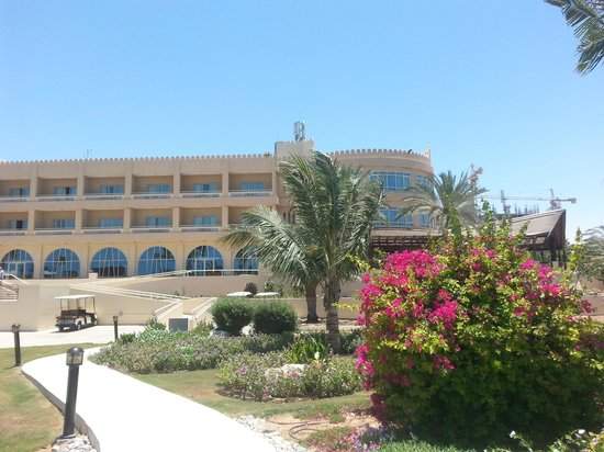 Hilton Al Hamra Beach & Golf Resort : The Hotel
