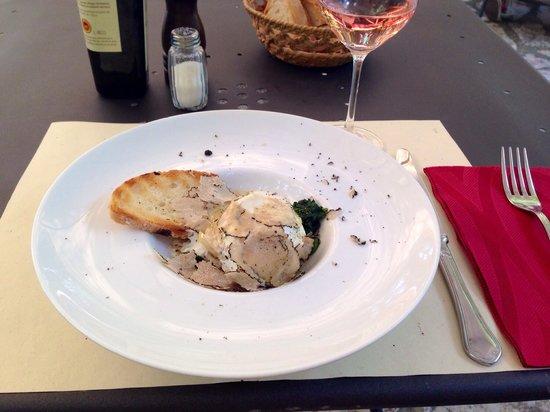 Osteria del Castello: Antipasto di uovo, verdure e tartufo