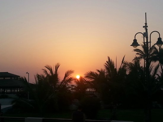 Hilton Al Hamra Beach & Golf Resort : Beautiful Sunset