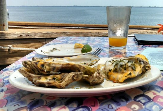 Bonefish Willy's Riverfront Grille: Oysters Willy - good flavor, but a little too much cheese