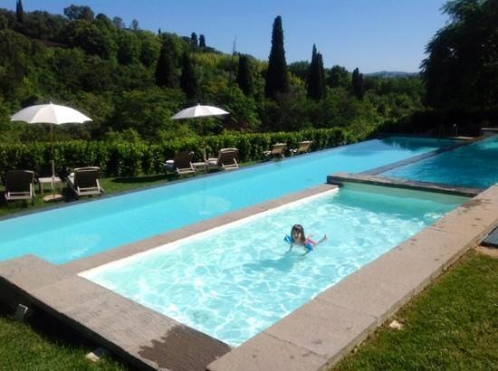 Il Salviatino : amazing pool and tuscan view