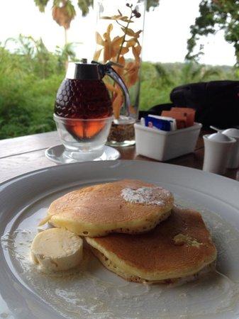The Pavilions Phuket: Breakfast at Plantation Club