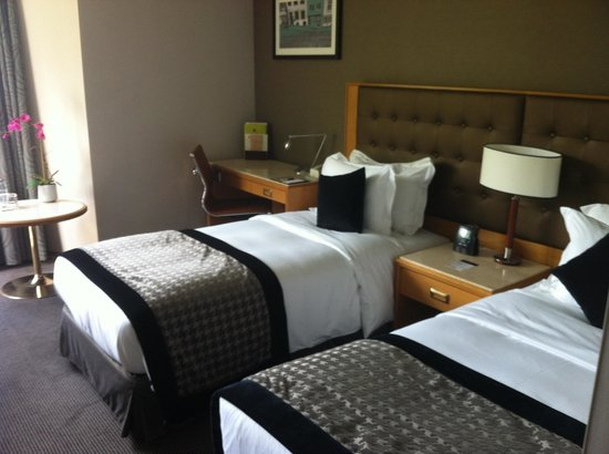 DoubleTree by Hilton Luxembourg: Two Bed room