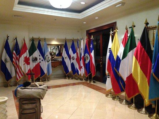 Sheraton Presidente San Salvador: Elevator area.