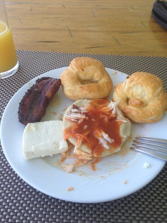 Sheraton Presidente San Salvador: Breakfast Popusas, a native dish.