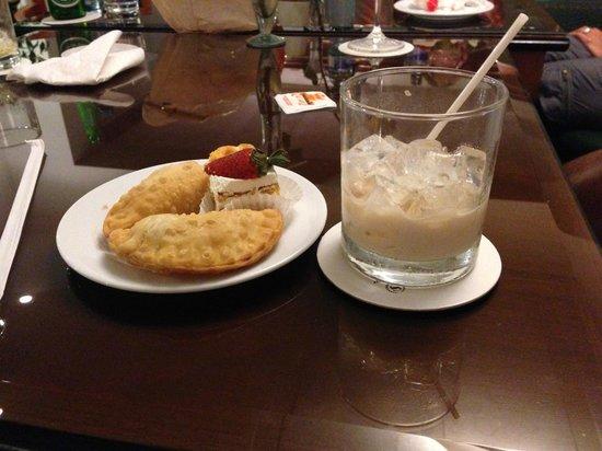 Sheraton Presidente San Salvador : VIP 4th floor, snacks and drinks.