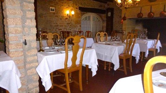 Hotel Restaurant Laborderie: Glimpse of the restaurant