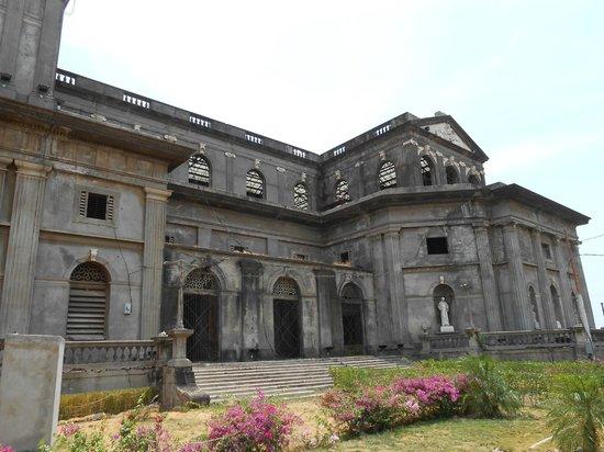 Antigua Catedral de Managua : ...