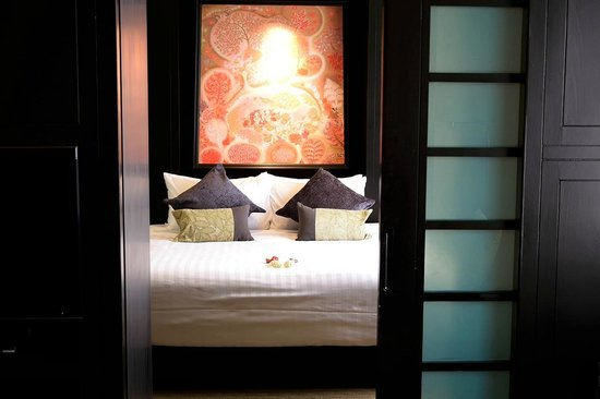 Banyan Tree Bangkok: View of Bedroom