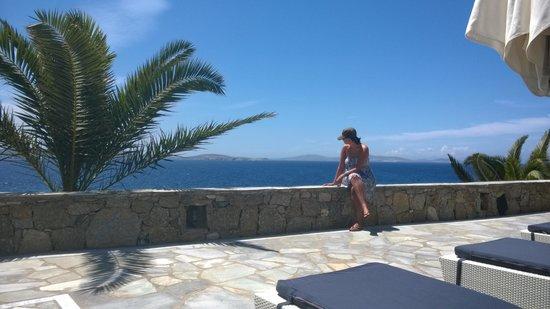 Mykonos Grand Hotel & Resort: Crystal clear blue sea