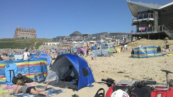 Playa Fistral: A beautiful day at fistral enjoyed by many.