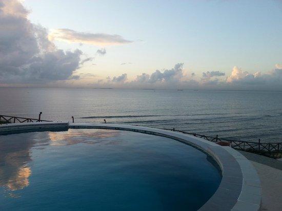 Golden Tulip Dar Es Salaam: Pool