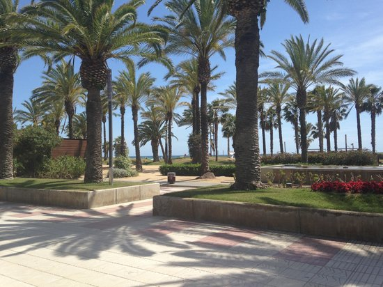 Salou Pacific: In Salou Central - beside the beach!