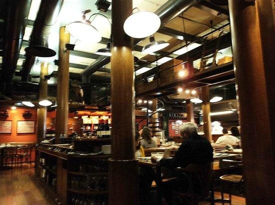 Mussol Aragó: Интерьер ресторана
