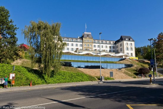 Internationales Rotkreuz- und Rothalbmondmuseum: Looking at the IRC museum from the road outside
