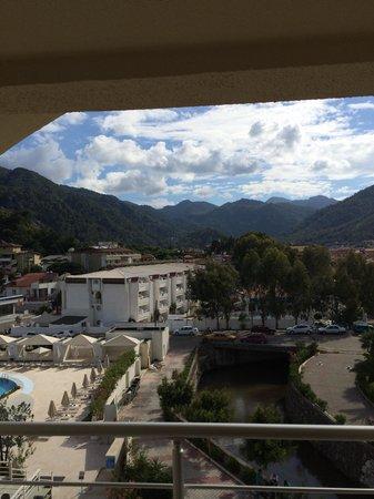 Munamar Beach Hotel: Balcony view