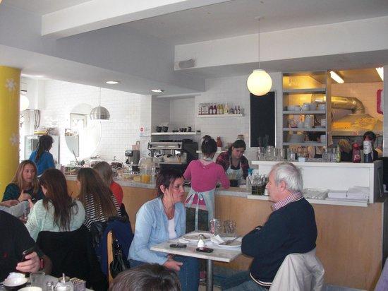Cafe Crespin: Interior Dining