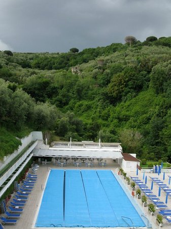 Best Western Hotel La Solara: Pool area from balcony of Room 412
