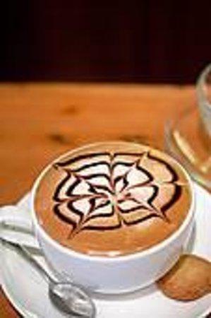 Il Bricco Caffe Camogli: Una piccola caffetteria tra le case di Camogli
