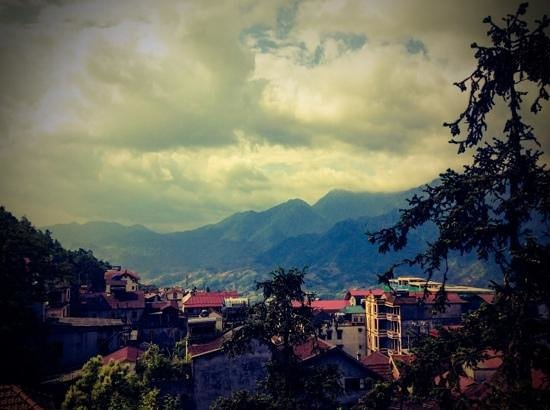 Sapa Paradise View Hotel: view from the hotel room at fourth floor