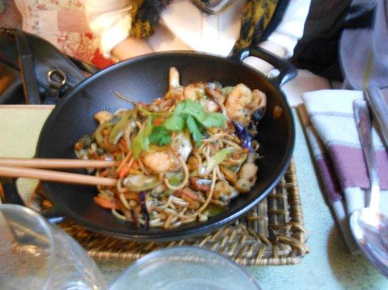 Le Patio : wok au crevette