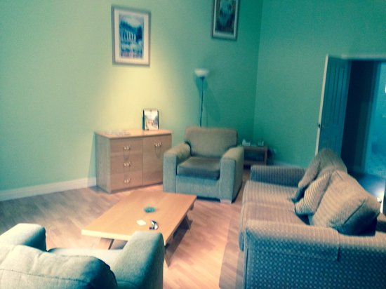 Thurnham Hall: Living area room 21