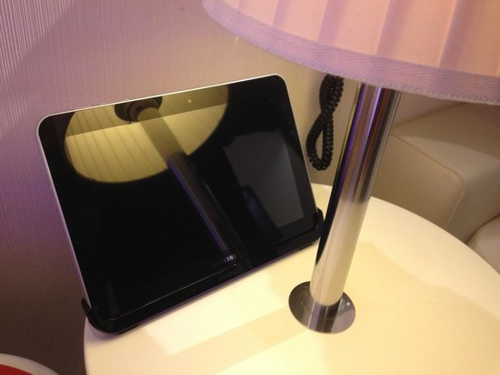 citizenM London Bankside: Room-control tablet