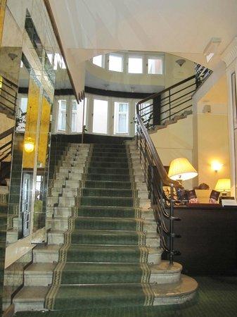 St. Petersbourg Hotel: Aspecto del recibidor