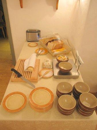 St. Petersbourg Hotel: Bufé del desayuno