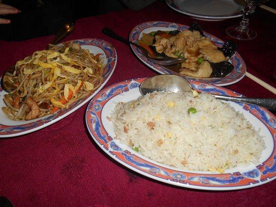New Don Shin : Nouilles maison, riz cantonais, poulet aux champignons noirs