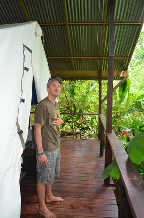 Red Frog Bungalows: The tentalow