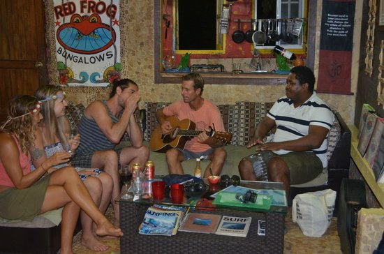 Red Frog Bungalows : jam sessions