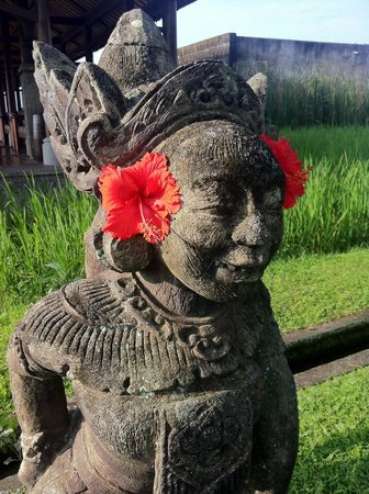 The Chedi Club Tanah Gajah, Ubud, Bali – a GHM hotel: Replica statues throughout.