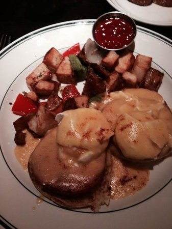 Daily Grill : eggs benedict