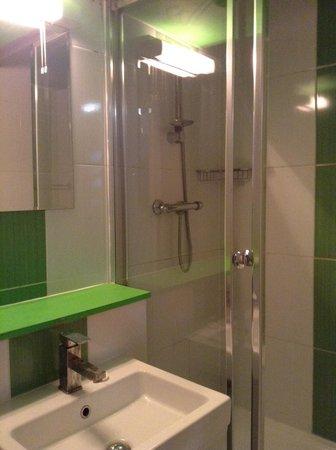 Euro Hotel Clapham: Cuarto de baño